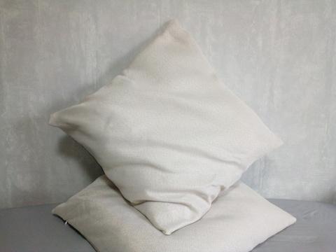 Декоративная наволочка молочная. 50 х 50 см