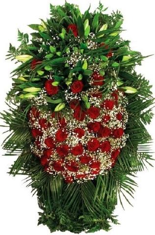 Траурный венок из живых цветов ВЖ 11 -180 см