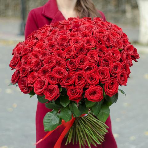 Букет 101 красная роза  Red Naomi 70см