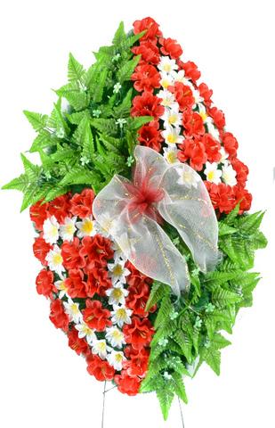 Венок украшенный цветами георгина и нарцисса