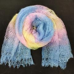 Оренбургский пуховый палантин желто-голубого оттенка 24