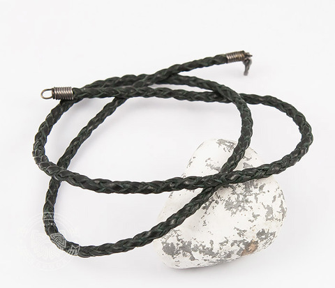 PL274 Плетеный шнур из полос черной натуральной кожи