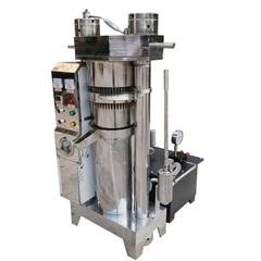 Akita jp AKJP 900 hydraulic industrial oil press for cold pressing olives into oil