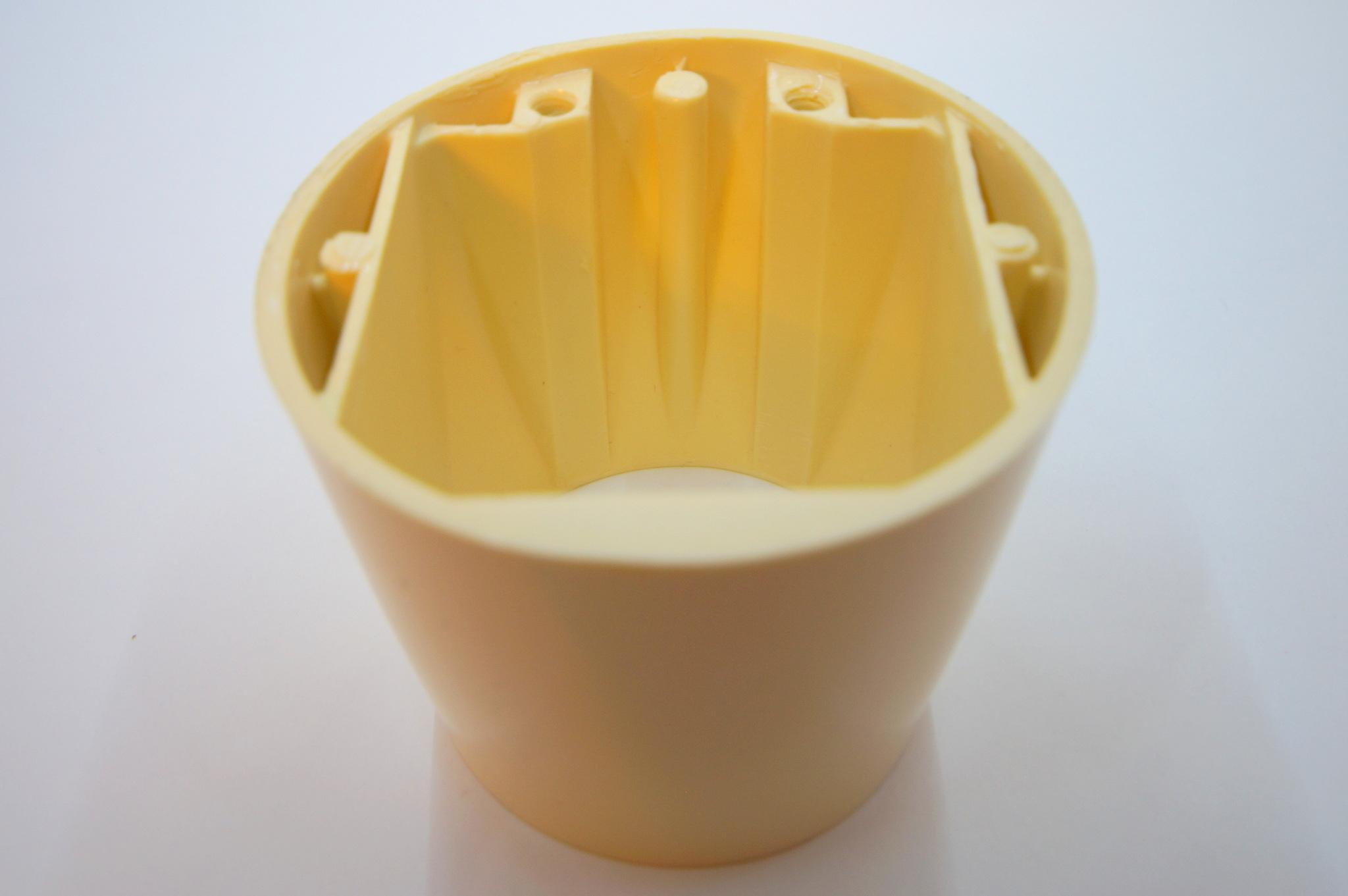 Чашка рулевой колонки Москвич 402-407 бежевая без выреза