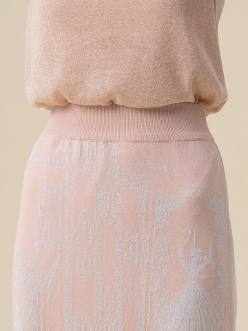 Женская юбка-карандаш с принтом светло-розового цвета из вискозы - фото 3