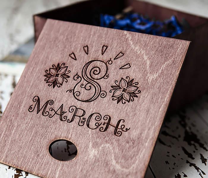BOX220-3 Деревянная коробка для подарков «8 MARCH» (17*17*10 см) фото 05