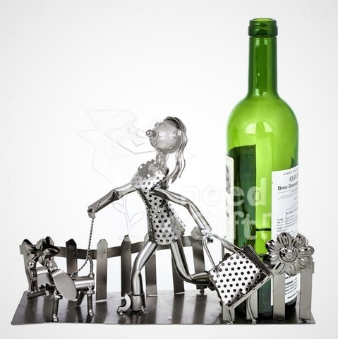 Подставка для бутылки «Дама с собачкой»