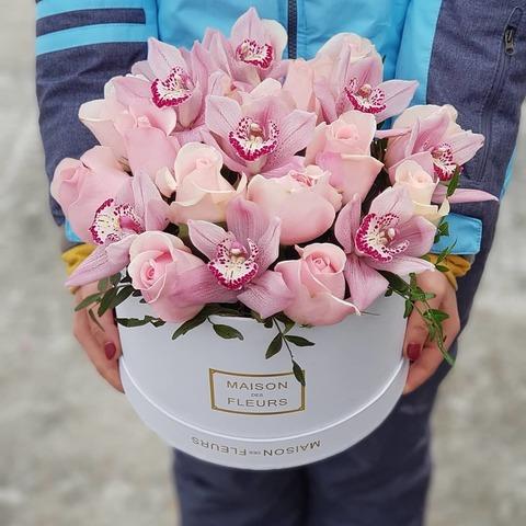 Коробка розы с орхидеей 2