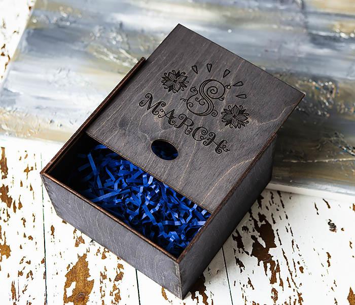BOX220-1 Подарочная коробка на 8 марта черного цвета (17*17*10 см) фото 04