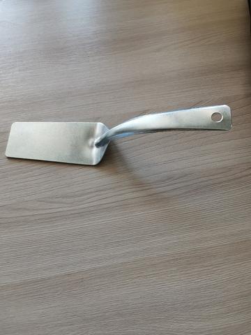 Лопатка металлическая