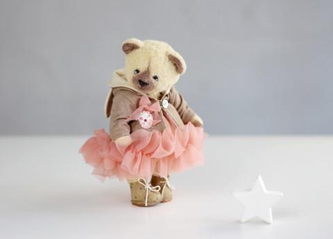 Іграшка колекційна Teddy ведмедик Бетті