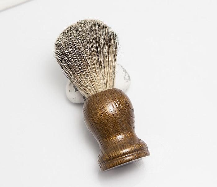 RAZ306-2 Деревянный помазок из барсучего волоса