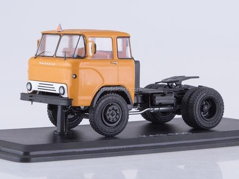 KAZ-608 road tractor orange 1:43 Start Scale Models (SSM)