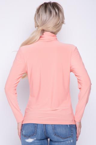 Универсальная вещь, которая должна быть в гардеробе каждой женщины.  (Длина:  44=60см: 46=60см: 48=61см: 50=62см:)