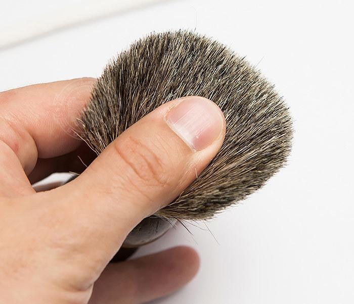 RAZ306-2 Деревянный помазок из барсучего волоса фото 05