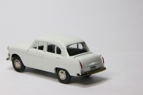 Moskvich-403 white Agat Mossar Tantal 1:43