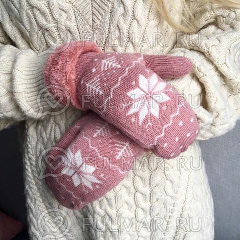 Варежки шерстяные вязаные со снежинками (цвет: персиковый)