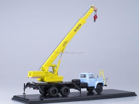 ZIL-133GYa KS-3575A Truck Crane yellow-blue Start Scale Models (SSM) 1:43