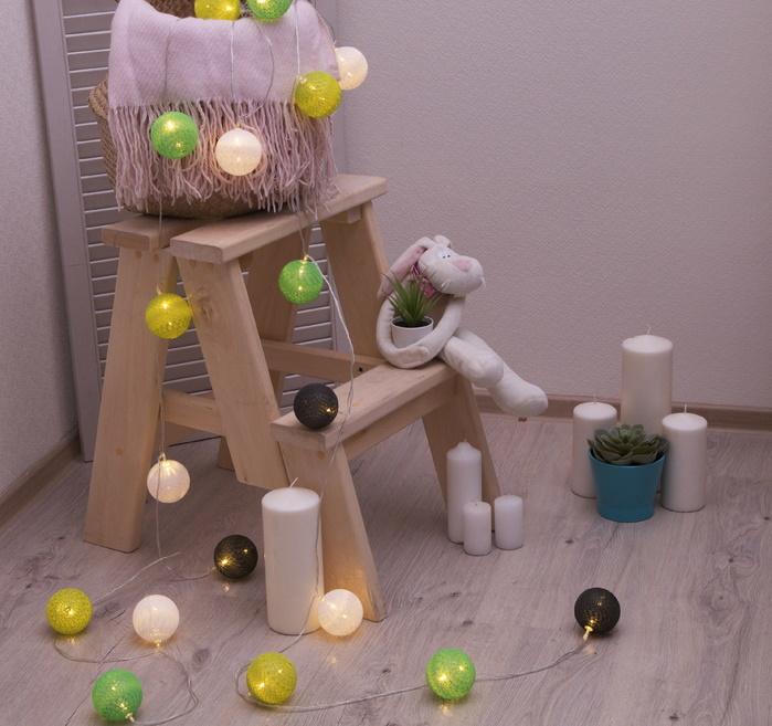 Ночник гирлянда Клубки шарики зелёно-белые d-6 см, 5 м фото