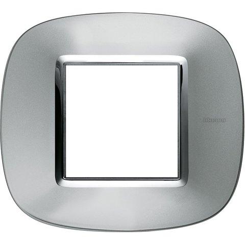 Рамка 1 пост, овальной формы. МЕТАЛЛИЗИРОВАННЫЕ. Цвет Зеркальный алюминий. Немецкий/Итальянский стандарт, 2 модуля. Bticino AXOLUTE. HB4802XC