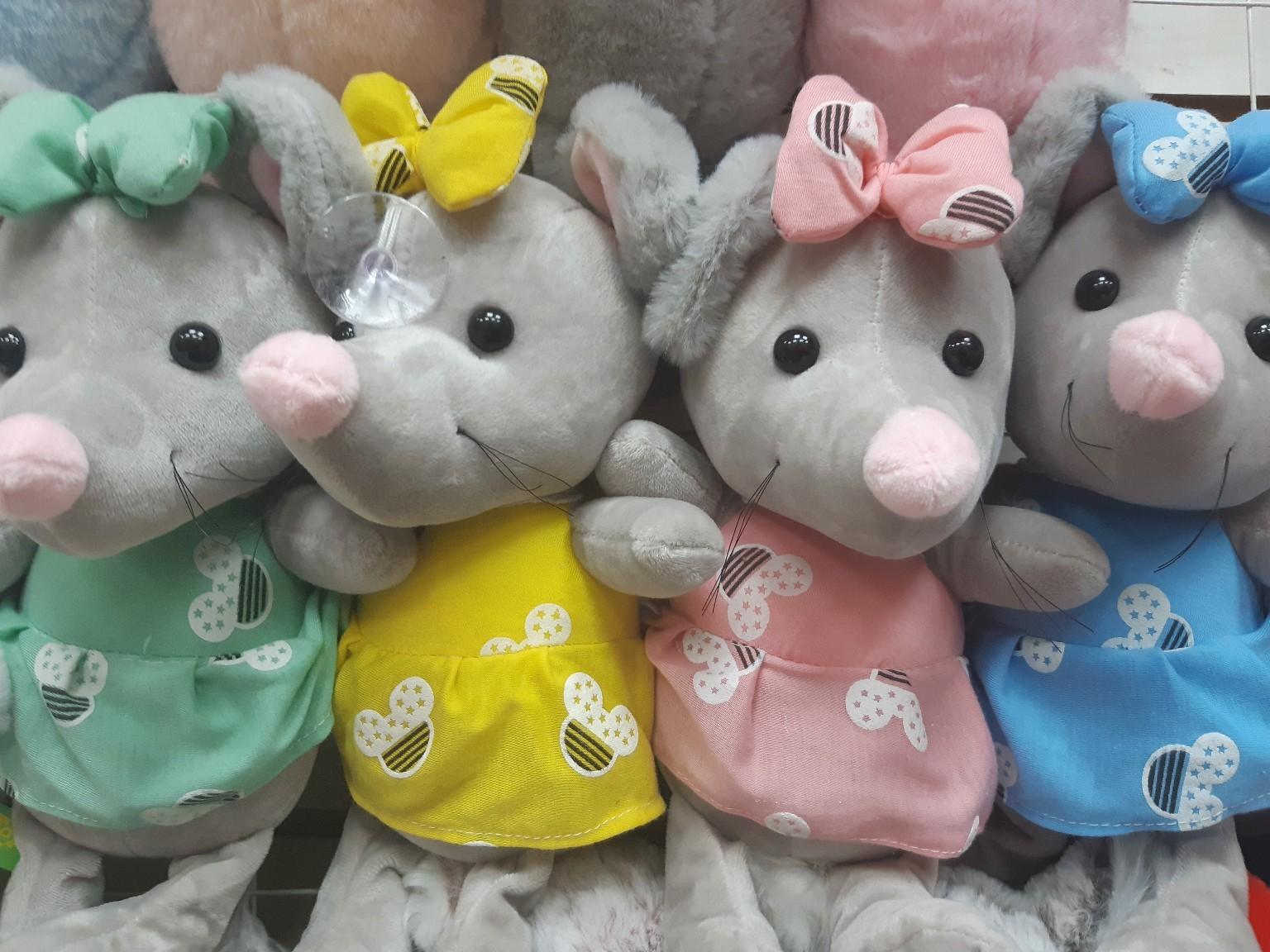 Мягкие крысы в разноцветных одёжках(цена за 2 штуки)