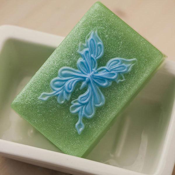 Пластиковая форма для мыла Бабочка на прямоугольнике