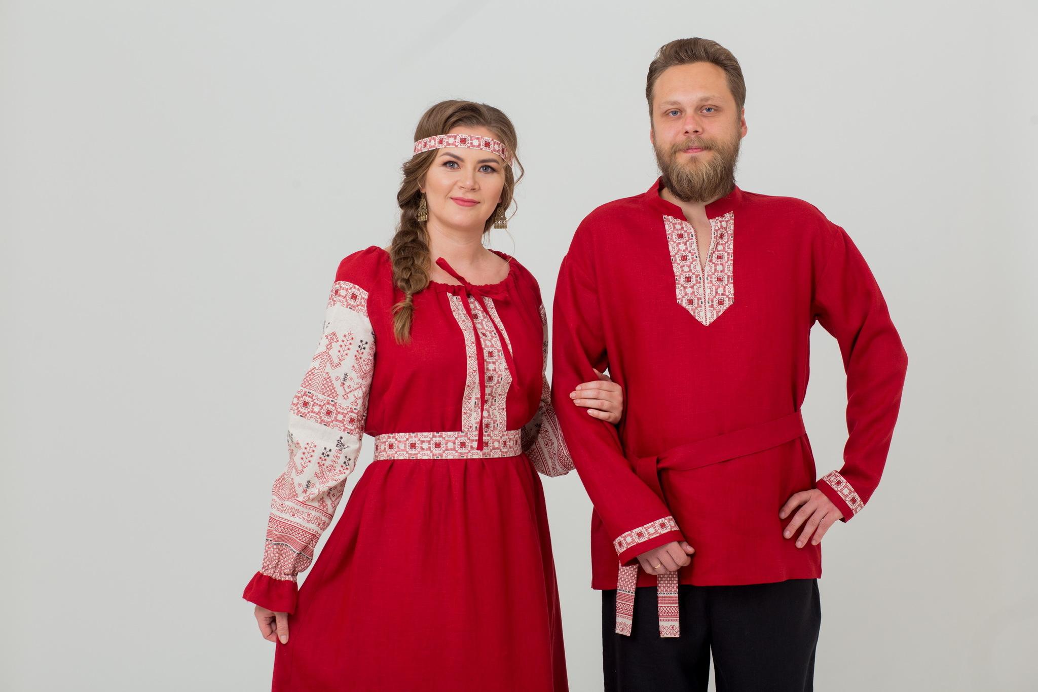 Льняное платье в русском стиле Брусничный цвет