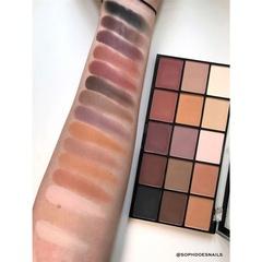 Палетка теней Makeup Revolution Re-Loaded Palette Basic Mattes