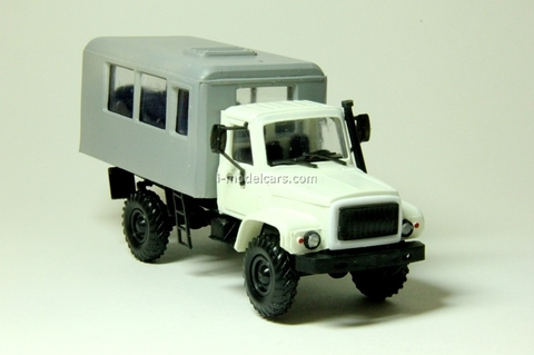 GAZ-3308 Sadko Watch white Kompanion 1:43