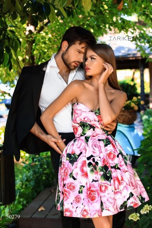 Tarik Ediz 50279 Платье короткое и пышное с цветочным принтом