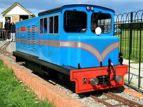 Garden Rail Тепловоз Captain Howey на колею 17,8 см, электрический