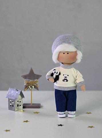 Лялька хлопчик Грей. Колекція La Petite.