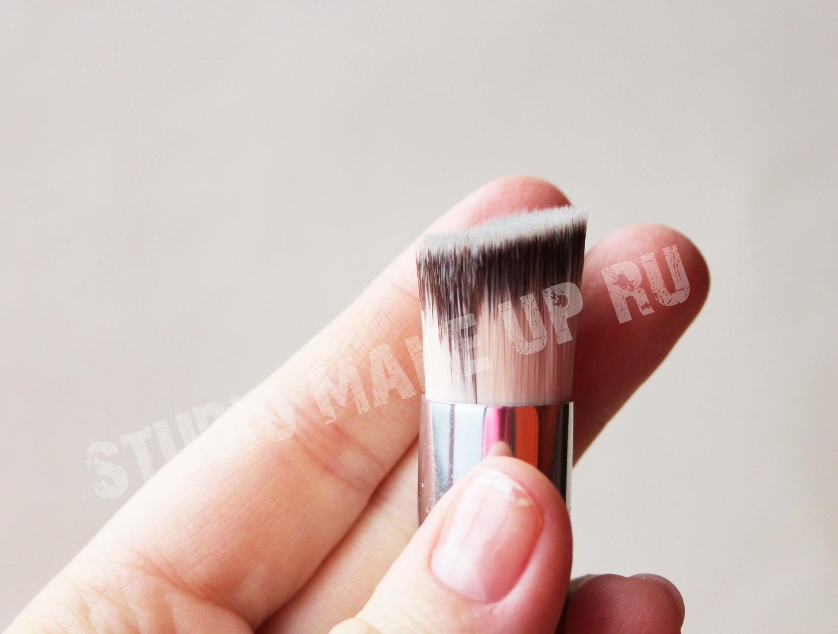 Кисть для кремовых текстур универсальнаяTF cosmetics HBF-02
