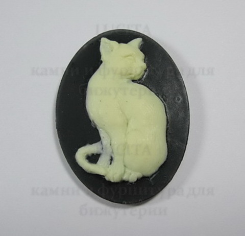 """Камея """"Кот """" цвета  слоновой кости на черном фоне 40х30 мм ()"""
