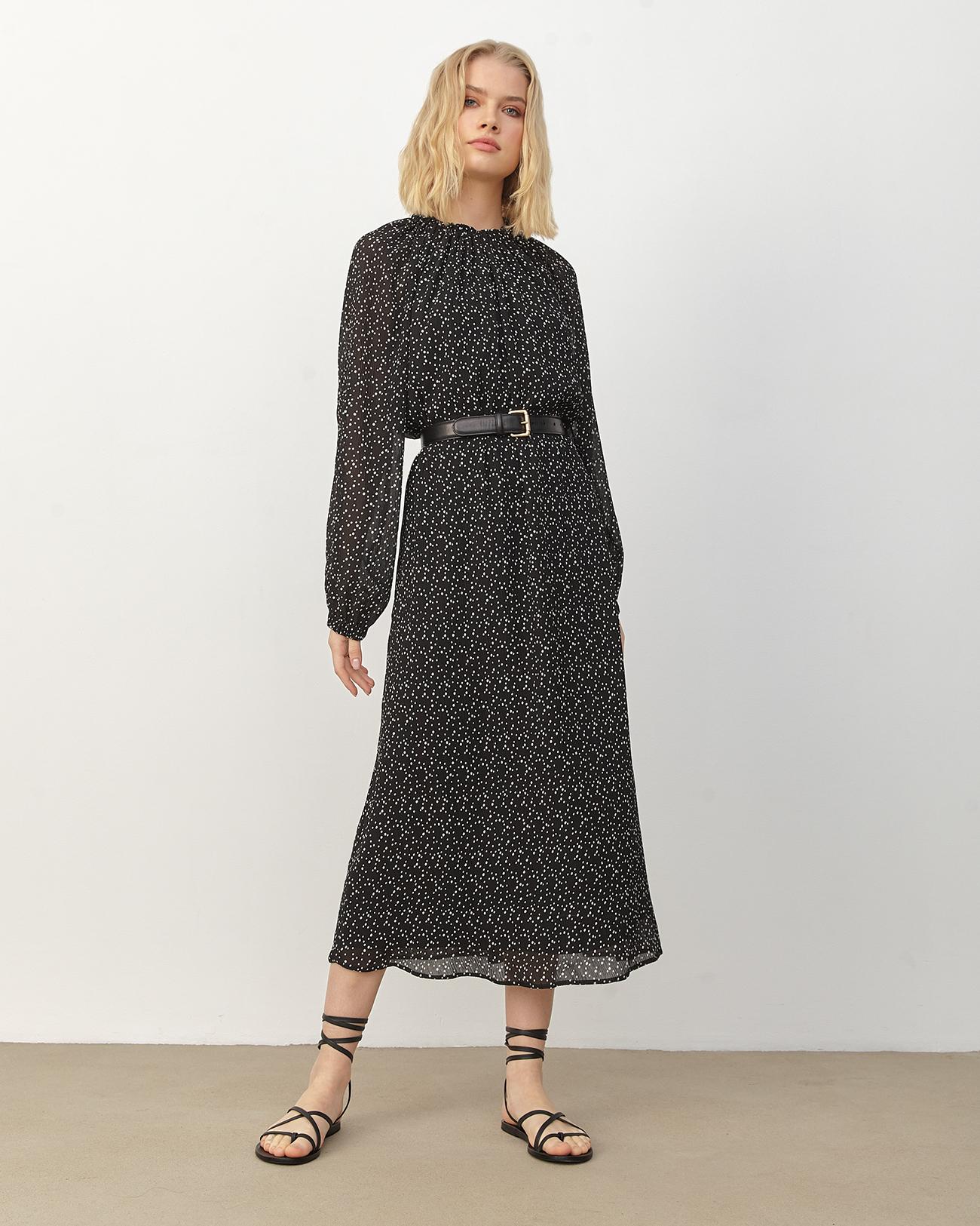 Платье миди со сборкой в горошек фото