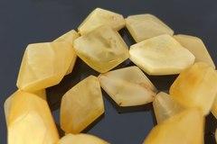 бусы из янтаря ромбы