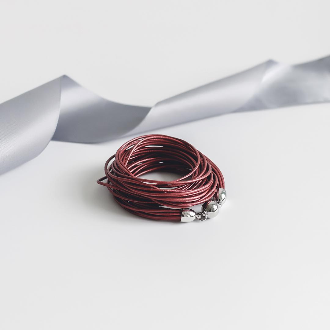 Женский браслеты из натуральной кожи красного цвета 14 размер  оптом и в розницу