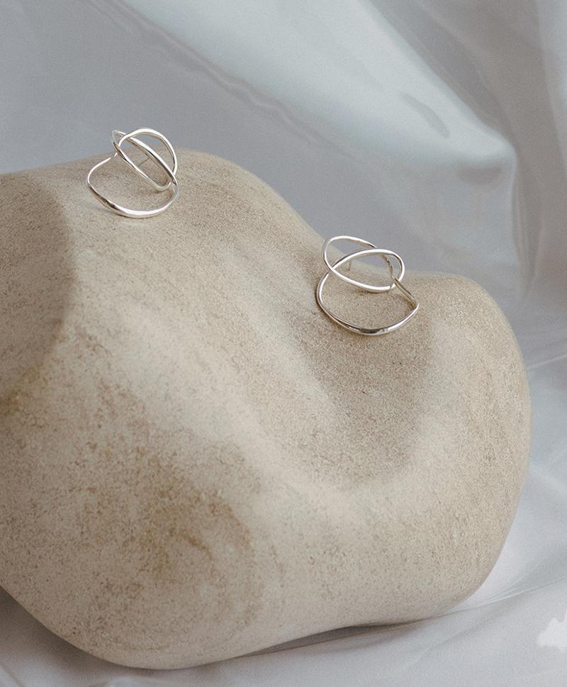 Серьги Vinea Knot Earrings