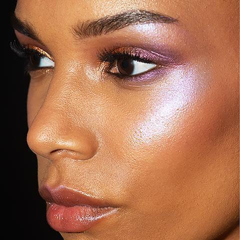 Сияющий гель для лица и тела Glass Glow Face