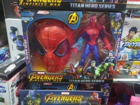 Человек паук с маской 30 см