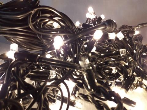 LED гирлянда бахрома на черном проводе с мерцанием flesh