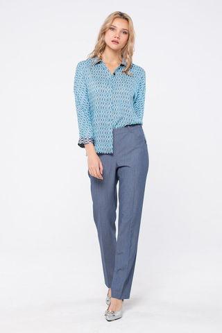 Фото свободная голубая блуза с укороченным рукавом и скрытой застежкой на пуговицы - Блуза Г707-352 (1)