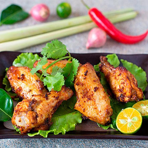 https://static-ru.insales.ru/images/products/1/7956/63733524/tom_yum_chicken_wings.jpg