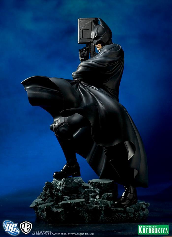 Dark Knight Rises Batman ArtFX Statue
