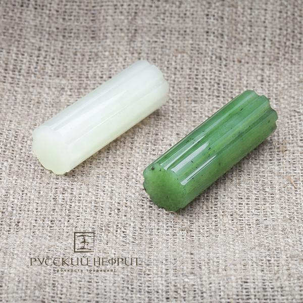Бусины Вставка из зелёного нефрита. Колонна palochki.jpg