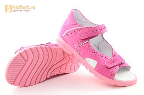 Босоножки для девочек из натуральной кожи с открытым носом на липучках Тотто, цвет розовый. Изображение 9 из 14.
