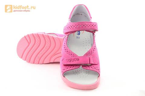 Босоножки для девочек из натуральной кожи с открытым носом на липучках Тотто, цвет розовый. Изображение 10 из 14.