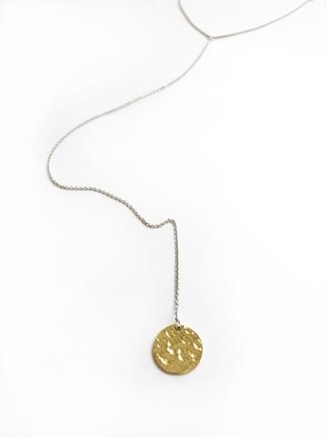 Серебряное колье галстук с битым позолоченным медальоном