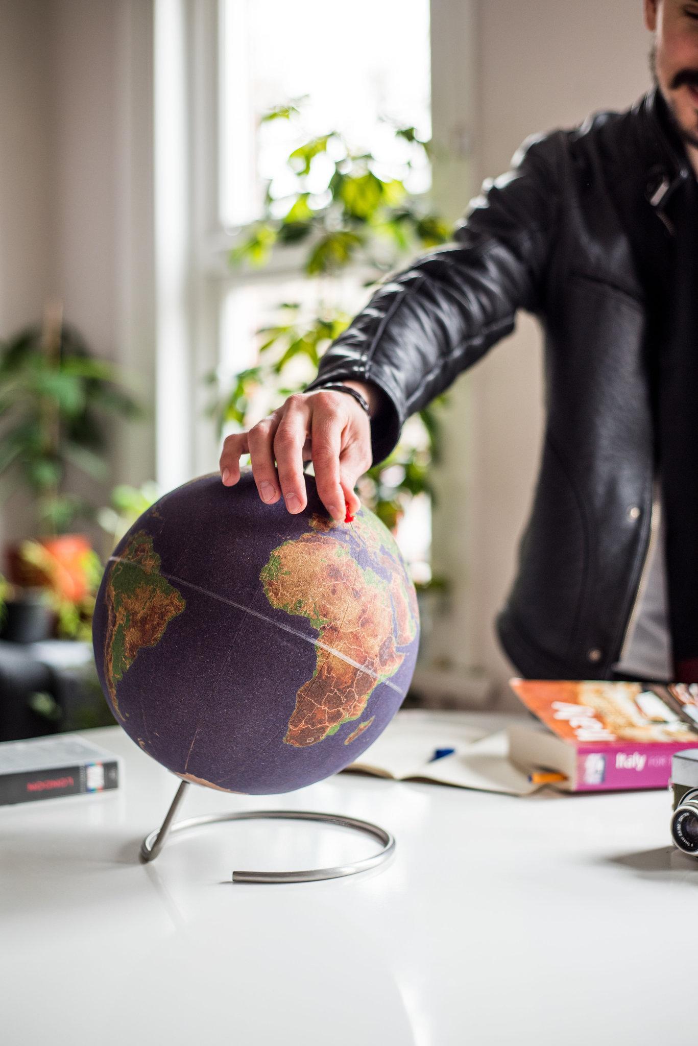 Глобус цветной Colour малый Suck UK SK CORKGLOBE4 | Купить в Москве, СПб и с доставкой по всей России | Интернет магазин www.Kitchen-Devices.ru