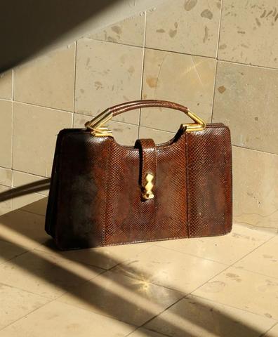 Коричневая сумка под змеиную кожу